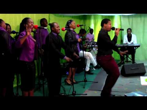 TRUEVINE EFOLWENI WORSHIP TEAM  - EYETHU INDABA