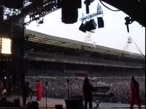 Rozalla opening for Michael Jackson at Wembely Stadium.