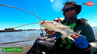 Рыбалка на снасть Самодур с Каяка   Kayak Fishing in Argentina