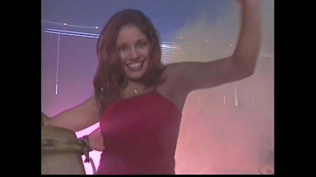 Varonil La Del Vestido Rojo En Vivo