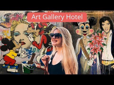 Картинная галерея или отель? Живем в бутик-отеле в Баку