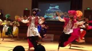 Video Ankhile Putt Punjab De - Bhangra Wars 2013 download MP3, 3GP, MP4, WEBM, AVI, FLV Juli 2018