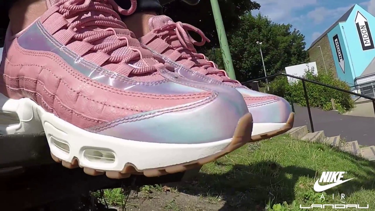 NIKE SHOES WOMENS AIR MAX 95 SE RED STARDUST WASHED TEAL SAIL