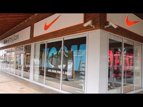 Sneaker vásárlás a Premier Outletben!