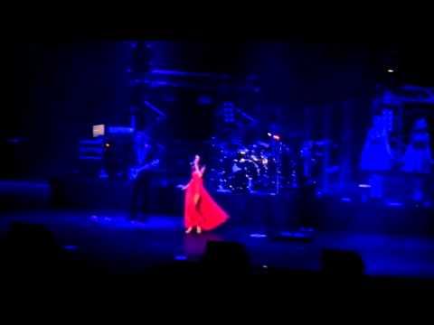 Naturally- Selena Gomez en Chile 2012