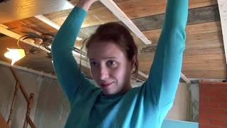 Дача 33. Как уложить ламинат на потолок.