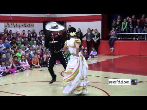 Mexican Dancing assembly at Paris School