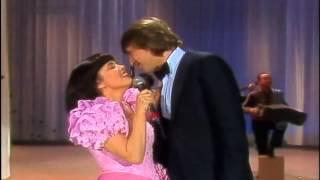 Mireille Mathieu & Roland Kaiser - Spanish Medley 1982