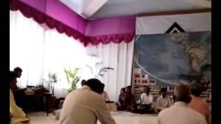 SHRI RAM CHANDRA KRIPALU BHAJMAN by kaveri majumdar