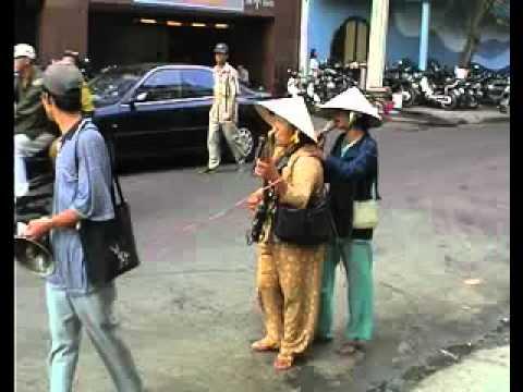 Hát Dạo Kiếm Tiền - Chỉ có ở  Việt Nam
