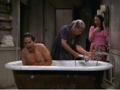 Everybidy Loves Raymond - Ray taking a shower