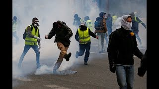 Yellow Vests protest for the 33rd straight week in Paris