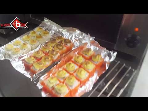 Готовим запеченные роллы с поваром доставки суши и роллов в Ульяновске Sushiboxиз YouTube · С высокой четкостью · Длительность: 2 мин  · Просмотров: 78 · отправлено: 27.12.2017 · кем отправлено: Доставка cуши и роллов Sushi box