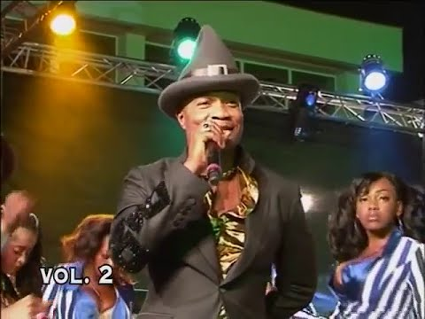 Koffi Olomide Chante Lutumba Simaro (Concert Officiel)