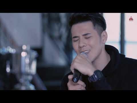 Papinka - Cinta Setengah Hati (Official Video)