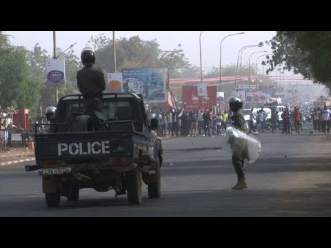 Niger police fire tear gas to disperse opposition demo
