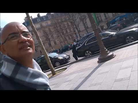 """Pelas Ruas de Paris, """"A charmosa Champs Élysées"""""""