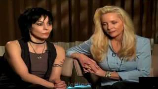 Joan Jett & Cherie Currie talk  The Runaways