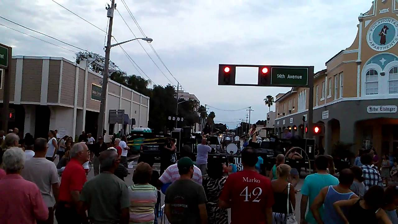 Downtown Friday Vero Beach Fl You