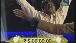 REAL SLUMDOG MILLIONAIRE: Sushil Kumar pours water over his head