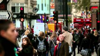 Busy people walking the city streets in London, HD Stock Footage