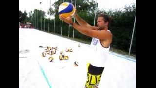 Beach Volley Lezione nr. 1, Il Servizio.