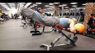 видео Спина - упражнения и особенности тренировки — SportWiki энциклопедия