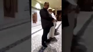 انبهر المصلين بجمال صوت الشاب الحافظ علي عبد السلام اليوسف ماشاء الله