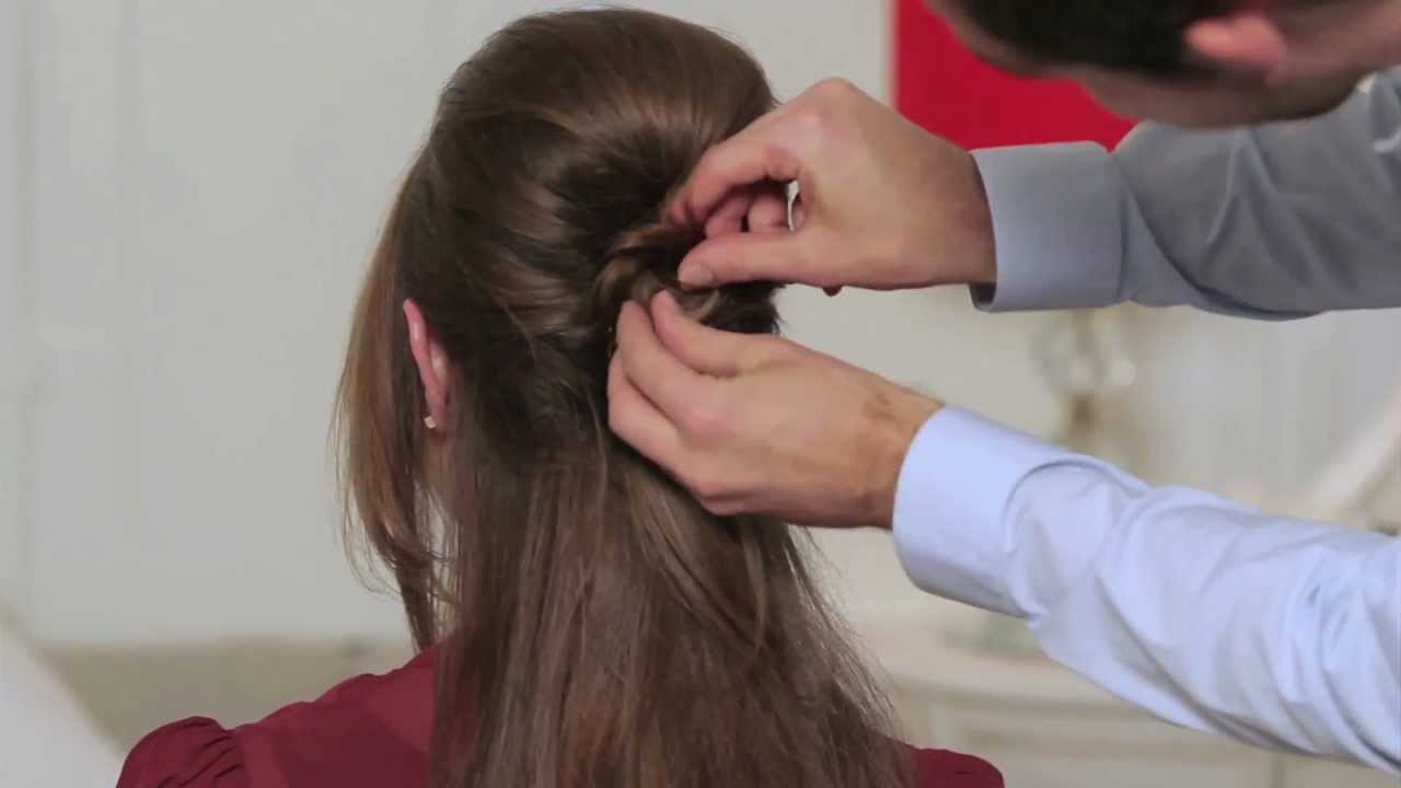 how to create a 1960s beehive