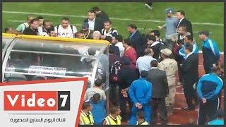 مرتضي منصور يعنف صحفي حاول تصويره أثناء انفعاله