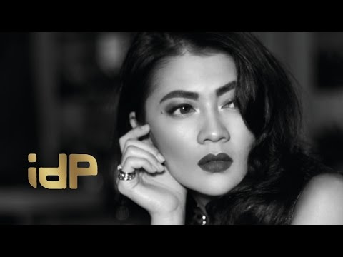 IDP - Menemukanmu (Official Video Lyrics - With RBT)