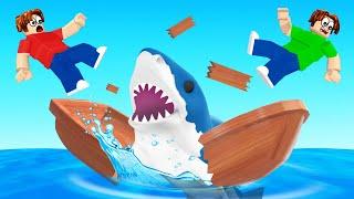 Surviving A SHARK ATTACK SIMULATOR! (Roblox)