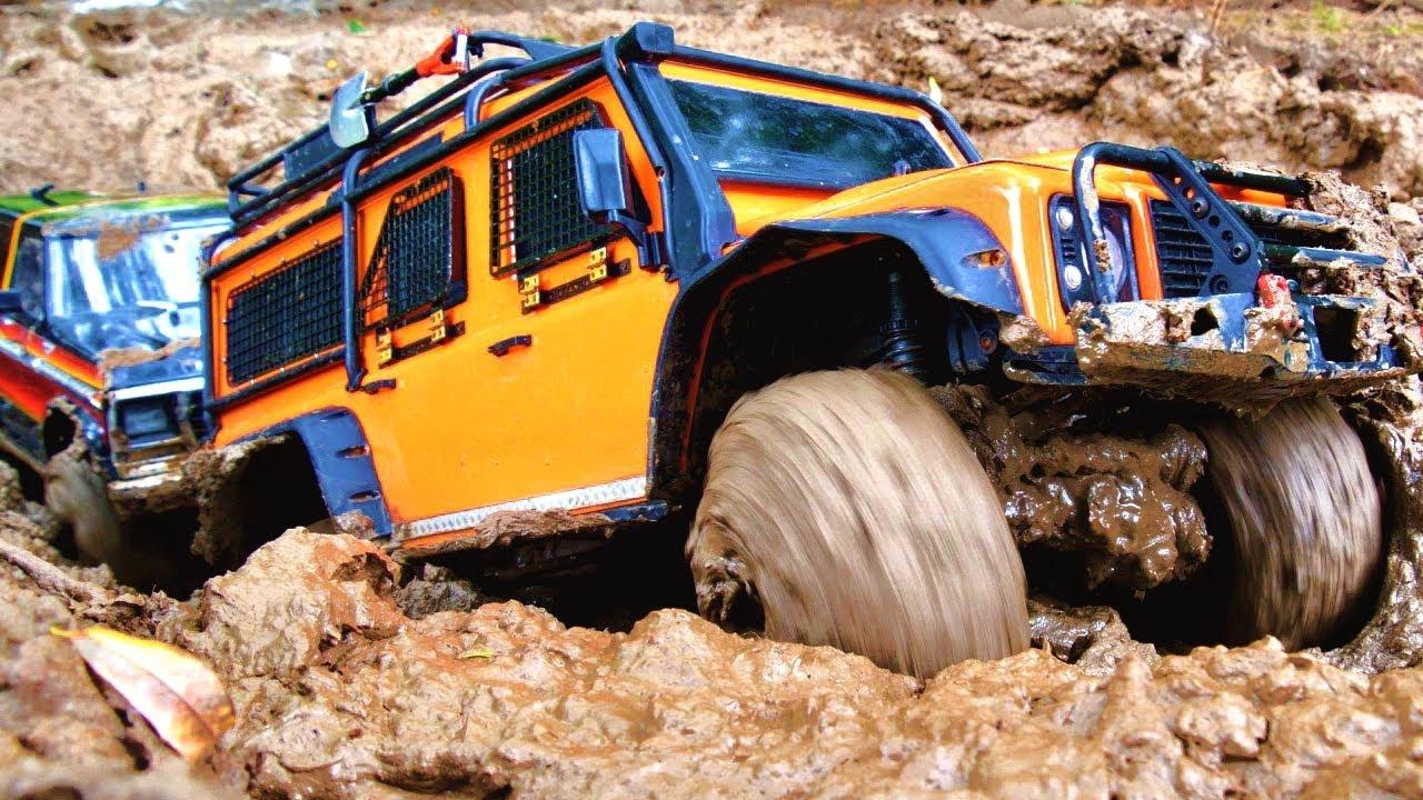 Two Rc cars mud off road — Mud car racing
