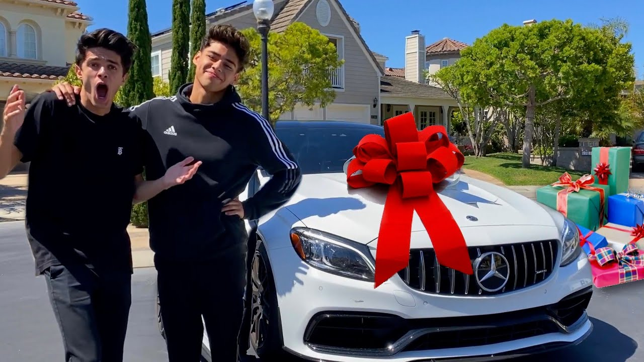 Surprising My Friends With Gifts for MY BIRTHDAY!!