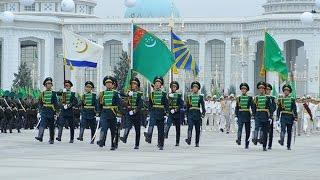 А своя армия не справится? Туркмения вызывает Узбекистан на помощь. Новости Туркменистана сегодня(вчера же президент Туркмении прибыл в Ташкент. Эксперты говорят, что возможно Гурбангулы Бердымухамедов..., 2015-10-08T19:03:49.000Z)