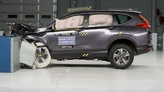 2017 Honda CR-V moderate overlap IIHS crash test