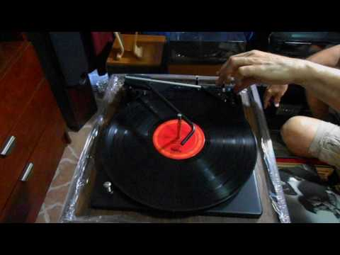 Vintage Soundesign Realtone Model 424 BSR Precision Great Britain Auto Turntable with static sound