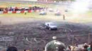 Gazzanats07 V8 family commodore wagon burnout