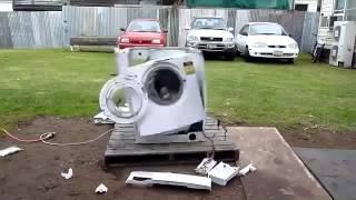 Что будет, если бросить в стиральную машину кирпич(, 2015-01-20T19:14:11.000Z)