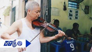 Vừa nhâm nhi ốc, thưởng thức tiếng violon | VTC