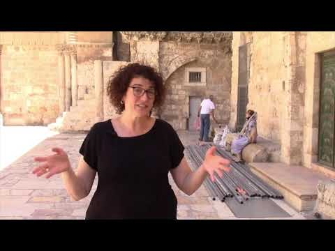 The Beautiful Complexities Of The Christian Quarter (Hana Bendcowsky)