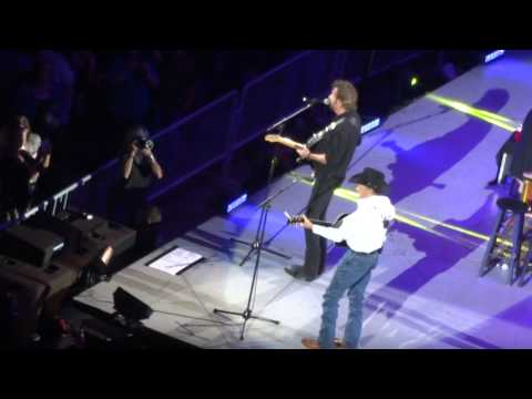"GEORGE STRAIT & RONNIE DUNN - ""Amarillo By Morning"" - Live in Des Moines HQ"