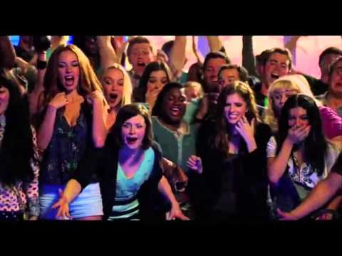 Anna Kendrick, Brittany Snow Pitch Perfect 2 Deleted Scenes #1