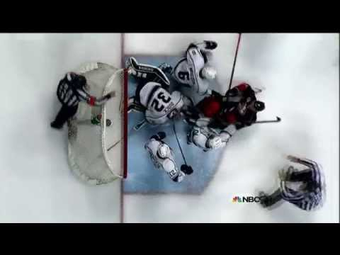 VIDEO: Jonathan Quick punches Corey Perry in the groin
