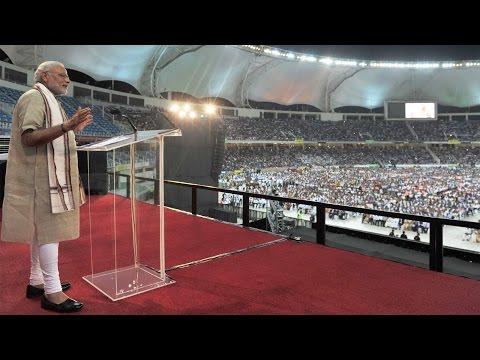 PM Modi's address to the Indian Community at Dubai   HD 2015