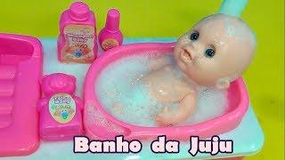 Banho da Boneca Juju - Rotina da tarde da boneca da tia Cris