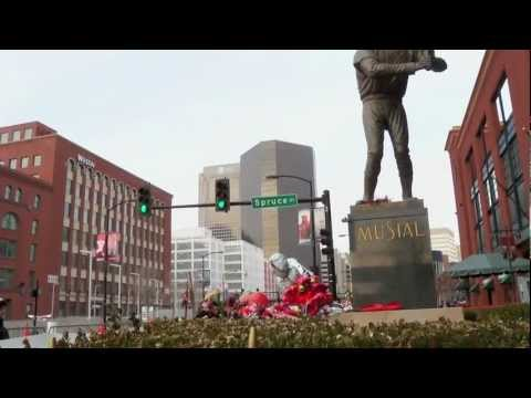 "Cardinals Fans Honor Stan ""The Man"" Musial"