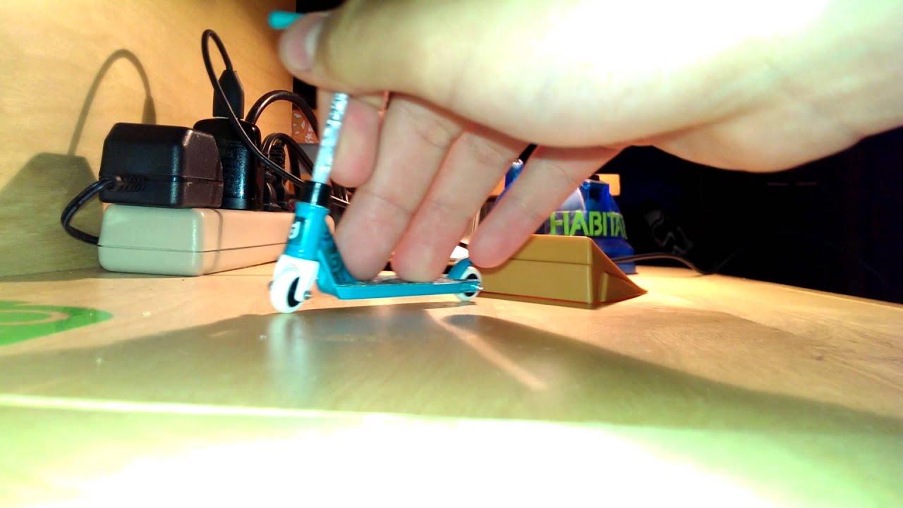 Tech deck scooter bri flip youtube baanklon Image collections