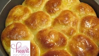 Homemade Yeast Dinner Rolls Recipe - How to Bake Homemade Rolls