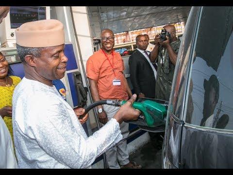 Prof. Yemi Osinbajo Makes a Stopover at Lagos Filling Stations (Oando - Elegushi)